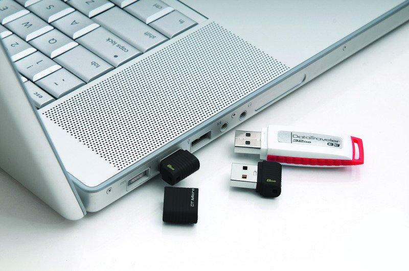 Flash disk Kingston 8GB USB 2.0 DataTraveler Micro, černá